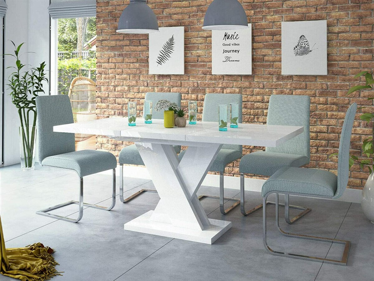 MESAS DE COMEDOR MODERNAS. Claves y características de la decoración moderna. 4 puntos importantes a tener en cuenta antes de comprar una mesa y sillas para decorar elcomedor.